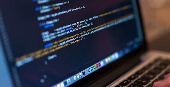 Czy warto regulować zawody informatyczne?